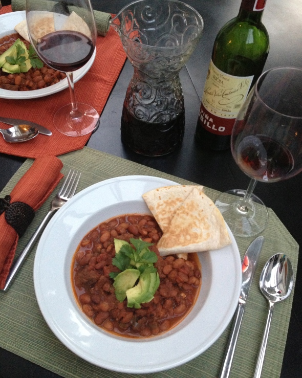 Chili Beef & Spanish Wine Pairing: A Broad Cooking
